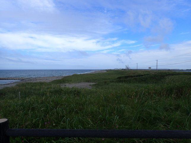野付半島 オホーツク海側から先端望む