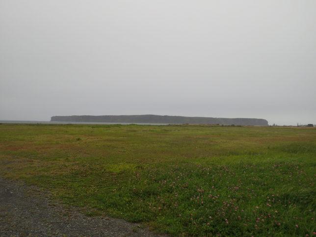 ナショナルトラストから嶮暮帰(けんぼっき)島を見渡す