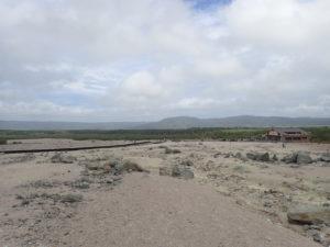 硫黄山側からレストハウス側遠景