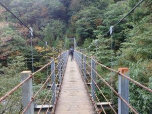 さつき吊り橋の上