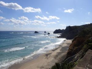 犬城海岸(馬立の岩屋)遠景