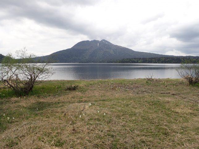 尾瀬沼に映える燧ケ岳