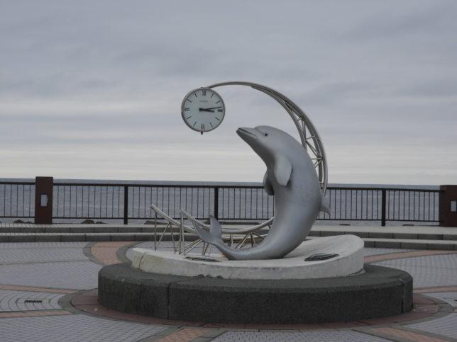ノシャップ岬イルカのモニュメント