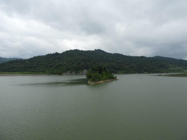 小平ダム湖