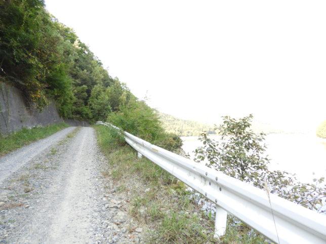 幌満ダムの道路状況