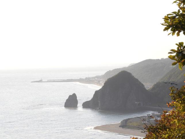観音山からローソク岩と塩釜