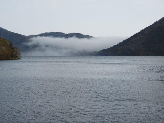 然別湖中央部
