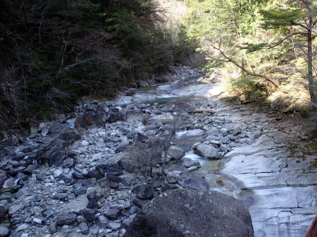 楓渓橋上流