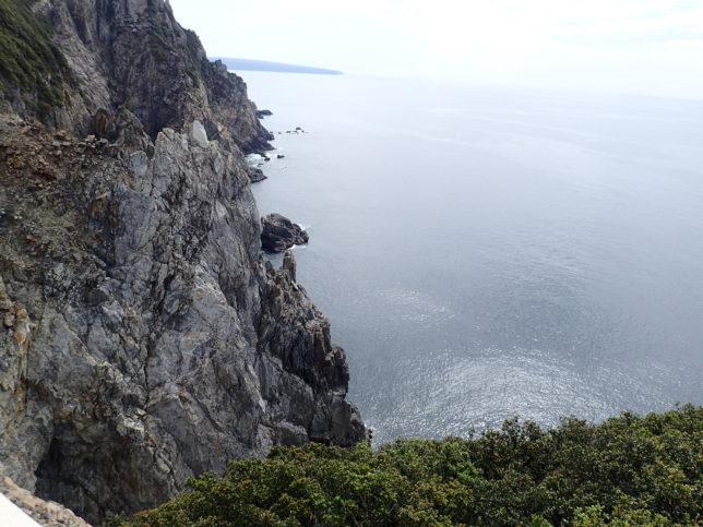観音岩周辺の断崖