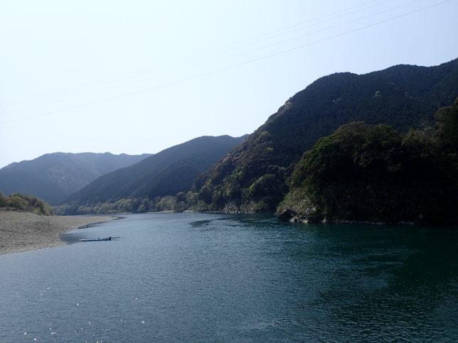 勝間沈下橋からの景観(下流側)