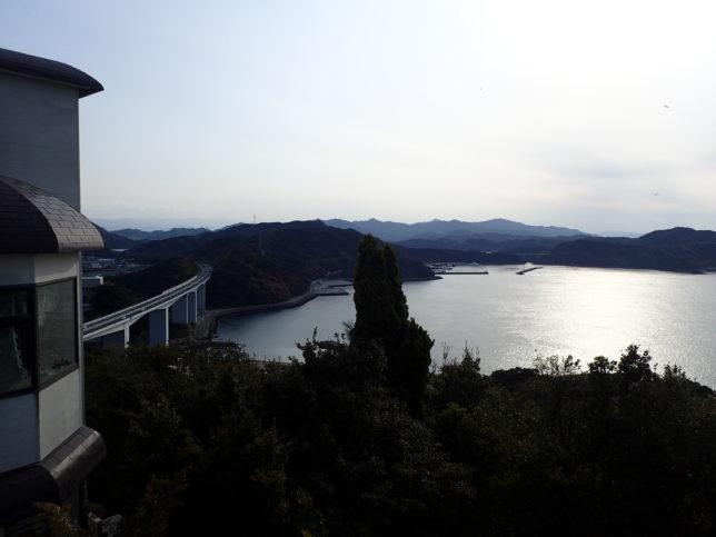 鳴門山展望台から港側